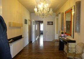 Varoshaza street,Hungary,Hungary,3 Bedrooms Bedrooms,1 Room Rooms,2 BathroomsBathrooms,Apartment,Varoshaza street,1,1155