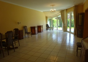 Hungary,3 Bedrooms Bedrooms,1 BathroomBathrooms,Apartment,1,1192