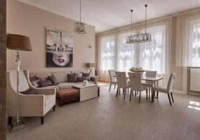 Dorottya utca 9,Hungary,Hungary,2 Bedrooms Bedrooms,1 Room Rooms,1 BathroomBathrooms,Apartment,Classical Building,5,1115
